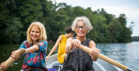 Frauen und Parkinson gemeinsam unterwegs